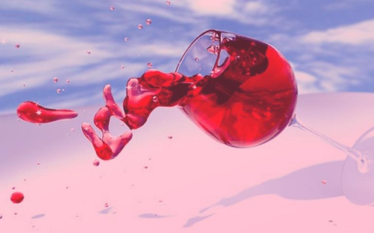 ¿Qué beneficios tiene tomar una copa de vino tinto?